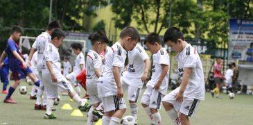 Lớp học bóng đá Thực Nghiệm