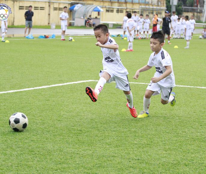 Chương trình dạy bóng đá lứa tuổi 6 - 16 tuổi