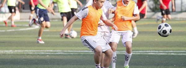 Lớp học bóng đá – Sân bóng đá Chùa Láng